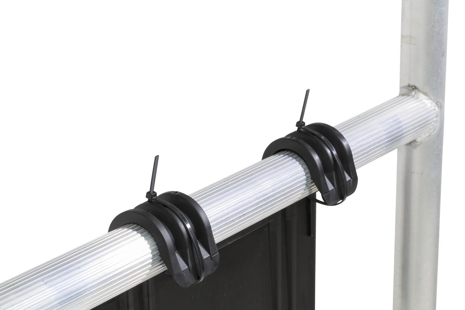 ToolTray kan geborgd worden met tie-wraps