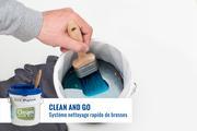 Frottez la brosse vigoureusement 20 secondes sur la grille pour la nettoyer rapidement et en profondeur.